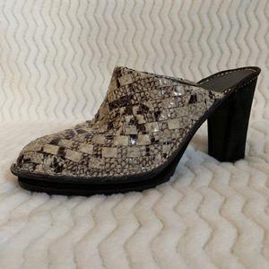 Donald J. Pliner sport snake print heels sz 7.5M
